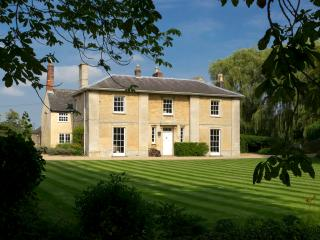 Beautiful Manor House in 12 acres of Grounds, Baston