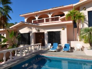Casa Rosa   Overlooking the Sea of Cortez w/ pool, Cabo San Lucas