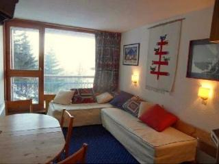 Apartment w/ balcony - heart of Les Arcs 1800