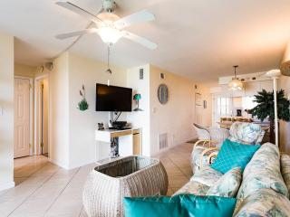 Upgraded Beach Apartment in Cocoa Beach