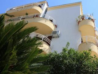 EXCLUSIVE APARTMENT WITH DIRECT SEA VIEW 1, Split