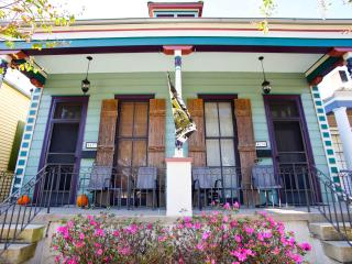 Live like Locals in Mid-City ~ Orleans & City Park, New Orleans