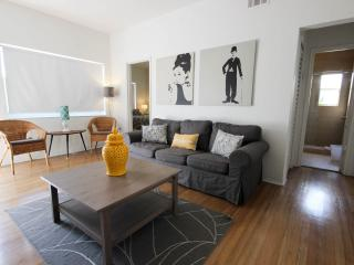 Luxury 2 Bedroom 2 Bath South Beach Condo w WiFi, Miami Beach