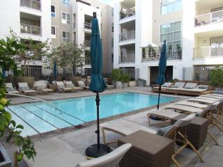 Amazing location & amenities - West Hollywood