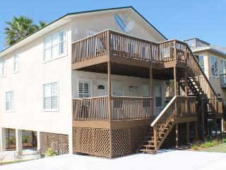 Ocean View, 4 Bedroom, Sleeps 12, Flat Screens, WIFI, Sun Deck, Pet Friendly, Saint Augustine Beach