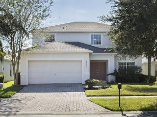 Stay n Heal Vacation Home 6 Bedroom Private Pool, Kissimmee
