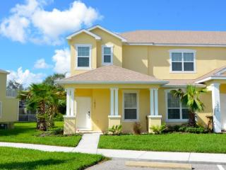 Serenity Resort Gorgeous 3 BR Pool Town Home, Orlando