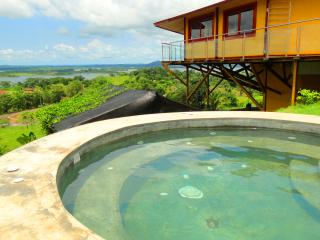 Panama Canal & Lake Gatun View! Luxurious Villa, Panama City