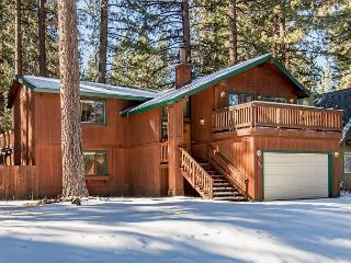 Family-Friendly 3BR Home with Hot Tub in Meadow Lakes, South Lake Tahoe