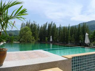 Nice One Bedroom Apart-close Beaches and Shops KW, Bang Tao Beach