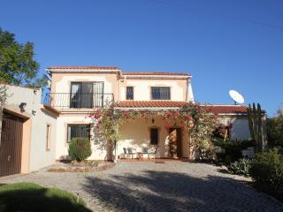 Holiday Villa with private pool & free WiFi, Silves