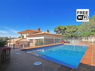 Villa for rent  with pool at 450 m from the beach, L'Escala