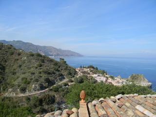 Renovated 180sqm Villa in Taormina Seaside, Mazzaro