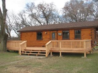 Deluxe Cabin in the Heart of NY Southern Tier, Wellsville