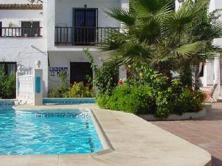 Apt. with pool,beach Nerja