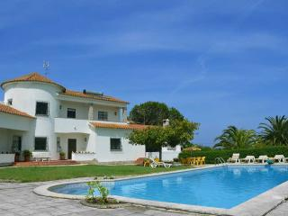 refuge holiday homes | Villa with a view, Sintra