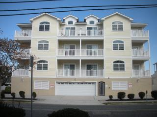 Make Your Memories in the Crest-Close to the Beach, Wildwood Crest