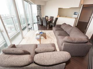 Great Location, Amazing views and very spacious 5, Chuo