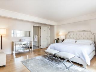 Magnificent Essex House one bedroom apartment, New York City