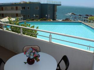 Relaxing 2BR Poolside on Concon Coast
