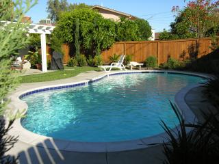 SPRING SALE! Pool, Game room & walk 2 Disneyland!, Anaheim
