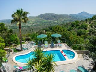 Kefali, Stunning Views & Pool, 6 Bedrooms!, Plakias