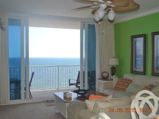 Beautiful Condo! Beautiful Price!  ON THE BEACH!!!, Gulf Shores