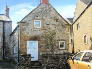 IVY COTTAGE, wodburner, WiFi, pet-frendly, romantic cottage in Wensley, Ref. 922191, Winster