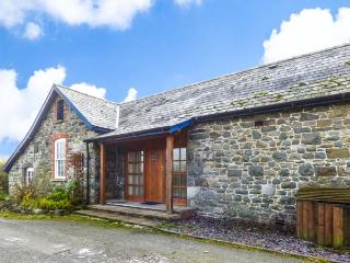 BRYNAFON COTTAGE all ground floor, pet-friendly, WiFi in Rhayader Ref 931163