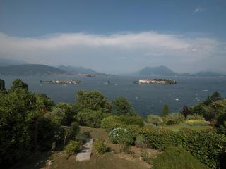 Waterfront Farmhouse with Views of Lake Maggiore - Villa Silvia, Stresa
