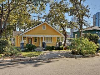 5BR/3BA Downtown Austin Luxury Home –Walk to 6th Street and Whole Foods!