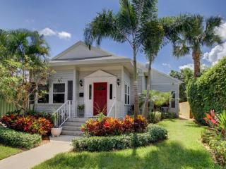 Nini's Cottage Vacation Home, West Palm Beach