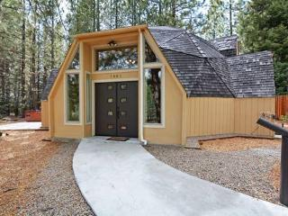 Octagon House in South Lake Tahoe with Hot Tub