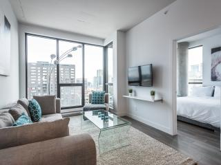 TRENDY & CENTRAL 2-BEDROOM W/ PARKING, Montreal