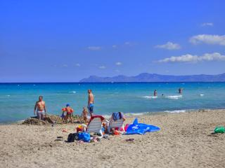 Perfect Apartment only 150 m. from a sandy beach!, Playa de Muro