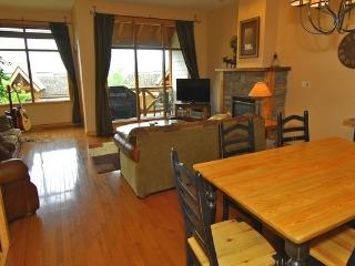 Sullivan Stone Lodge 3 bed Mountain Side Townhouse, Kimberley