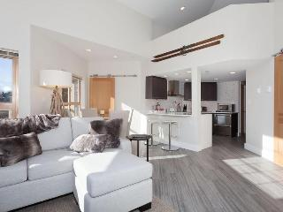 Whistler Ideal Accommodations: Deluxe 3 bedroom in Whistler Village