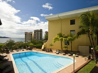 Oceanview condo with best rates in Town / Sleeps 8, Playa Flamingo