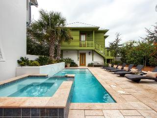 Beautiful luxury home in the heart of Rosemary Beach with private pool and hot tub - Beach Music Main House