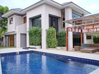 Pool Residence in Town 2, Chiang Mai