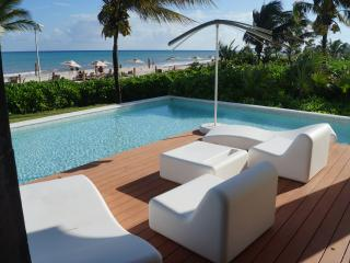 Ocean Front Presidential 3 bedroom swim out condo, Playa del Carmen