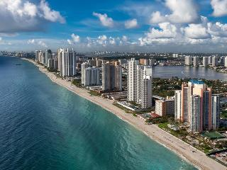 Sole on The Ocean Ultra-Contemporary 2 BD Suite, Sunny Isles Beach