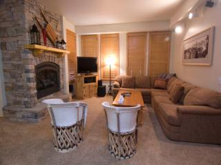 Comfortable Condo in Mammoth Lakes (#871 Par Court)