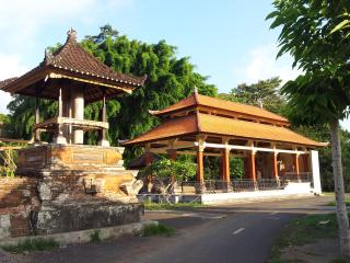 Karma ECO Retreat Center in quiet Pejeng Kingdom