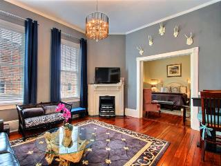 Super cozy and cute and in the perfect location! This great Savannah vacation rental has everything you need to stay for a week or a month!