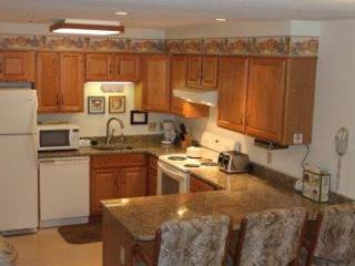 3BR Multi-level condo with balcony, King bed - A3 308A, Lincoln
