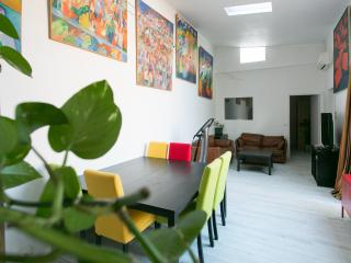 MARGE 3 BED APARTMENT WITH PATIO, Pantin