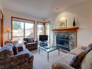 Painted Cliff #43, 2 Bdrm, Slopeside, Free Wifi, Whistler
