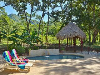 Luxury home just steps away from Brasilito Beach!!, Playa Conchal