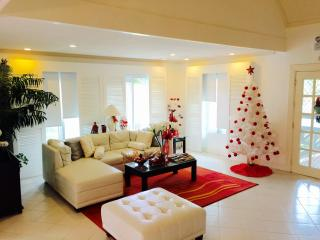 3BR Beautiful Home in Tagaytay Royal Pines West